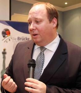 Der Staatsminister bei der Bundeskanzlerin, Prof. Dr. Helge Braun MdB, bei seiner Rede während des Brücke-Neujahrsempfangs im Hotel Köhler